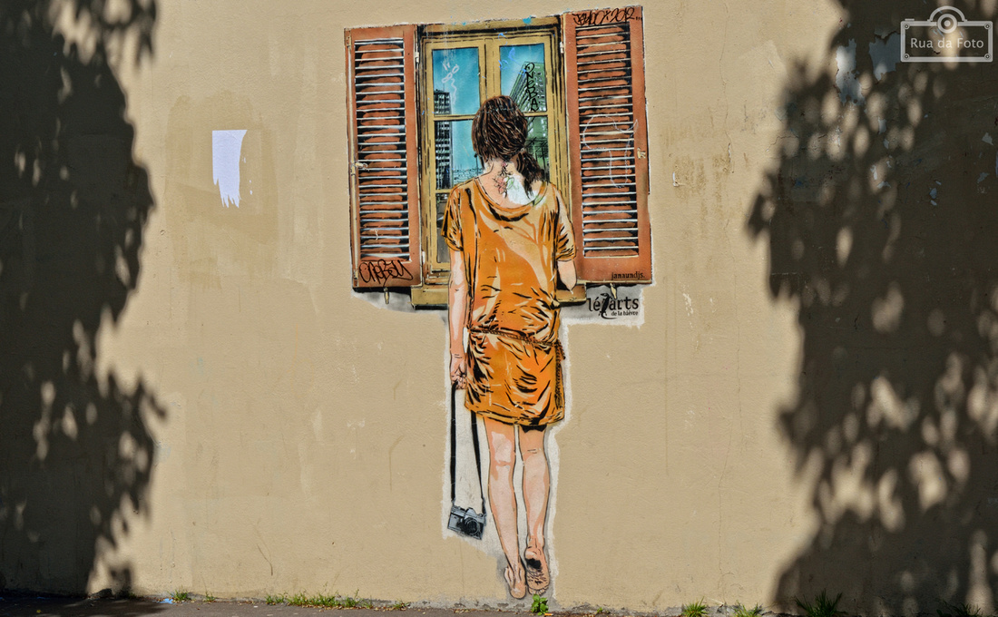 """""""street art"""", Paris, Lezarts, menina, graffeur, Europa, arrondissement, """"rua da foto"""", """"Cintia Erdens Paiva"""""""